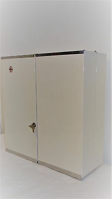 Alter Arzneischrank  Blechschrank  Badezimmer Eisen Schrank Loft Retro Vintage
