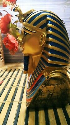 Statue of Tutankhamun Ancient Egypt (reigned 1332-1323 BC). 2