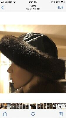 Mitchies Matchings Women's Leather Hat With Real Fur Trim EUC 6