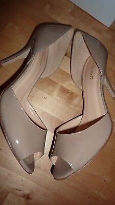 LK BENNETT UK 6 39 TAUPE Patent Beige Heels Peep Toe Courts Shoes LTD FAB RARE!! 6