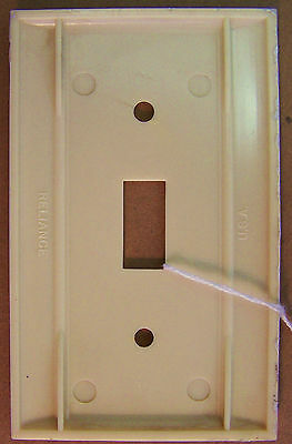 Single Toggle Bakelite Switch Plate Cover mfg. Reliance  Ribbed Ivory xlint cond 2