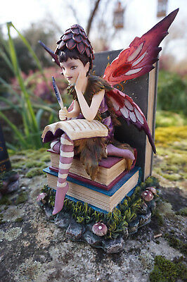 16022 Serre Livre Figurine Statuette Fee Heroic Fantasy