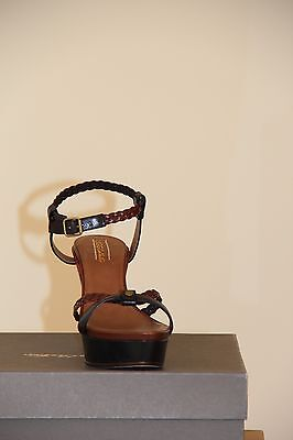 Ugg Collection  Womens Anatolia sandal  Size 10 NIB