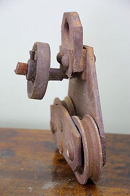 Vintage BROWN HOISTING MACHINERY CO Industrial 4000lb Barn Door Roller Cast Iron 9