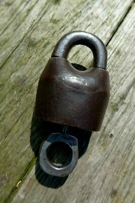 Antique / Vintage Padlock with one working key collector home loft cottage decor 3