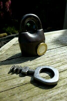 Antique / Vintage Padlock with one working key collector home loft cottage decor 2