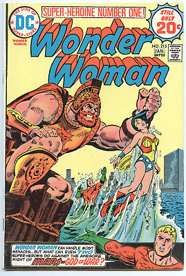 DC Wonder Woman #215 Jan 1975, 8.0 Very Fine Condition, FREE SHIP