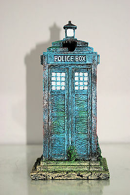 Stunning Large Aquarium Old London Police Box 12 x 12 x 25 cms For Aquariums 5