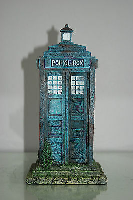 Stunning Large Aquarium Old London Police Box 12 x 12 x 25 cms For Aquariums 2