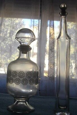 Dos Vellisimas Licoreras Licoreras De Cristal ( Pequeñas)