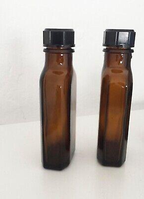 drei kleine braune Glasflaschen Vintage Retro 3