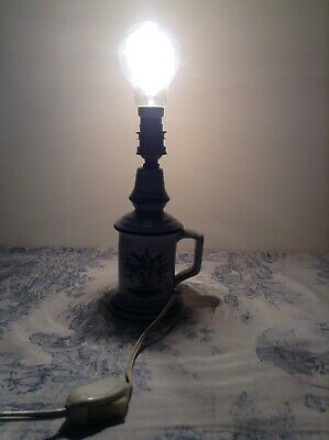Vintage French Pigeon Style Porcelain Table Lamp (3821) 2