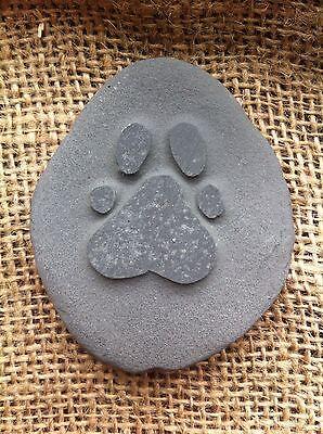 Hand carved Pet memory pebble, garden memorial, unique, plaque dog cat 4 • EUR 5,47