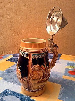 Antigua Jarra De Cerveza Alemana Con Dibujos En Relieve Y Con Tapa De Zinc 2
