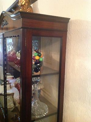 Flamed Mahogany Victorian Display Cabinet Queen Ann Legs 7
