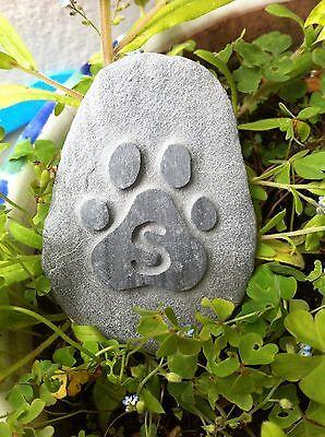 Handmade carved Pet memory pebble, garden memorial, unique, plaque, cat, dog 6 • EUR 5,46