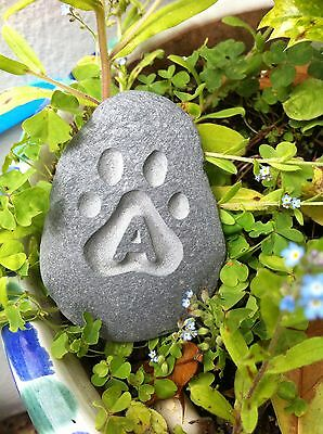 Hand carved Pet memory pebble, garden memorial, unique, plaque dog cat 3 • EUR 5,47