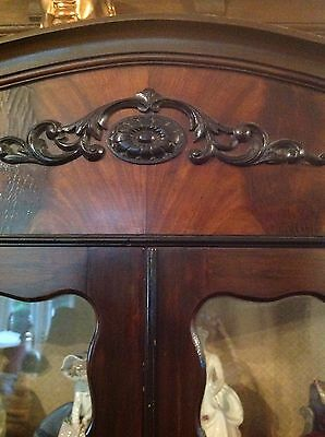 Flamed Mahogany Victorian Display Cabinet Queen Ann Legs 2