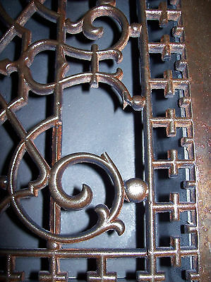very ornate heating grate large & cracked (G 88) 3