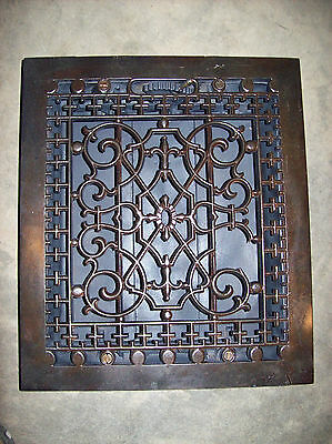 very ornate heating grate large & cracked (G 88) 2