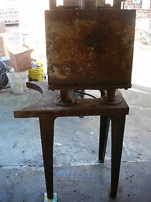 Vintage Heat Treat Furnace From A Tool And Die Shop (Used) - Natural Gas 4