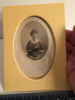 """ANTIQUE L19th-E 20th c Celluloid """"Ivory color"""" PHOTO FRAME+ 19thc Lady w/gloves 4"""