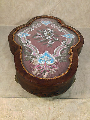 Antique Wooden Center Piece with Veneer Inlay Glass and Embroidery Bead Design 10 • CAD $242.45