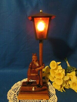 """Vtg Hand Carved Wood Women W Rolling Pin On A Metal Lamp Post Top Table Lamp 19"""" 2"""