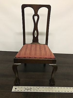 An Antique American Carved Mahogany Veneered Child's Chair 10