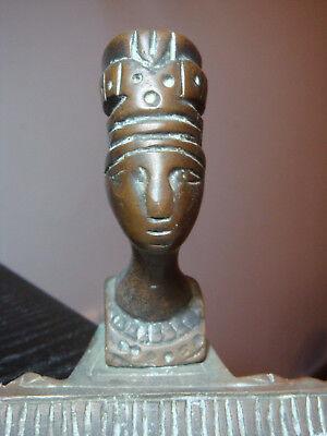 Ancient Egyptian Queen Nefertiti - Bronze bust on ashtray base 8
