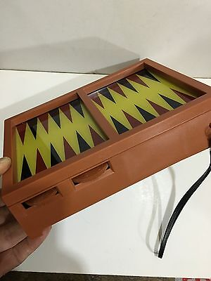VINTAGE NOVELTY RADIO AM(MW)- BAND WITH BACKGAMMON GAME FROM 1970s NEW WITH BOX 8