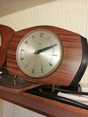 (340)            Small  Mains Electric Wooden Mantel Clock Made By Metamec 2