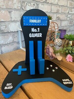 personalised wooden xbox controller and headset stand 6
