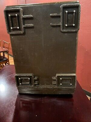 Cambro UPCS 400 Front Load Insulated Food Pan Carrier 7