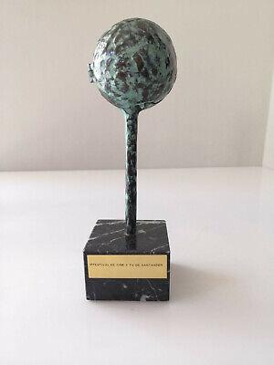 Escultura premio 1 Festival de Cine y TV de Santander en bronce por Jose Luis Fe 2