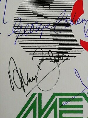 Mexico 86 postal card Autographed By All The 1966 Winning Team. 3