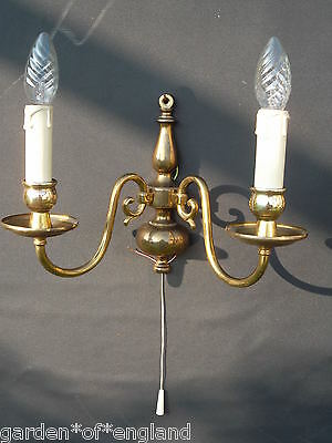 A pretty pair of vintage flemish wall lights (F89121) 2