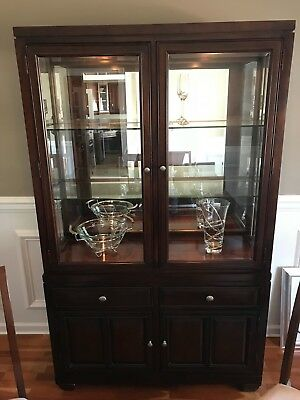 Raymour And Flanigan Dining Room Set Table 6 Chairs And Hutch Great Condition 1 000 00 Picclick