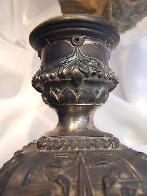 Lampe A Petrole Ancienne Cuve En Cristal Taille, Pied En Regule . Ref 1547