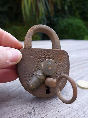Antique  Padlock with one key working order beautiful padlock unique collector 3