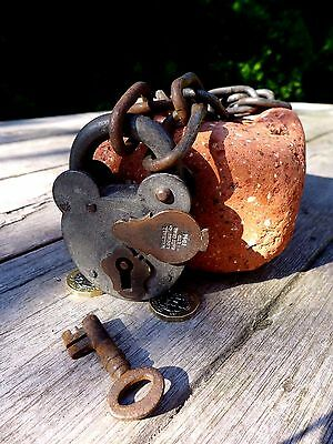 Antique Vintage Padlock with one key working 2WW 1941 hobby collector rare 25-05 3