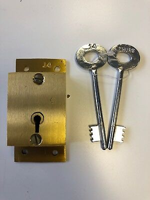 Chubb post box lock and 2 keys              PLEASE READ THE DESCRIPTION FOR SIZE 2