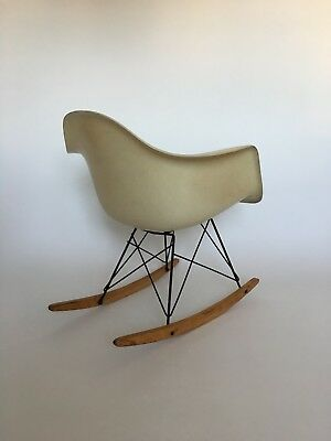 All original Eames Herman Miller Fiberglass Rocking Chair from 1957 2
