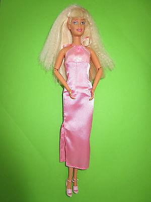 B493-Blonde Barbie Mattel 1998 Neckholder-Kleid Mit Label Bewegliche Ellenbogen 4