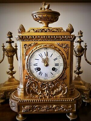 19Th Century French Ormolu Bronze Mantel Clock Garniture. 2