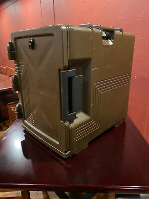 Cambro UPCS 400 Front Load Insulated Food Pan Carrier 2