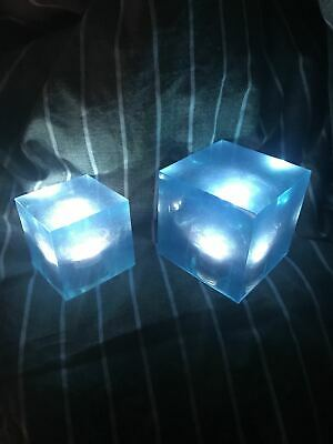 Avengers Thanos Tesseract Cube LED Light Infinity War Cosplay Props + Base 6.5cm 6