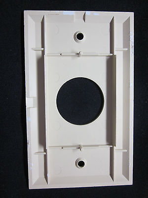 Vintage Ivory Bakelite Smooth Single Outlet Plate Cover Art Deco Lines 4