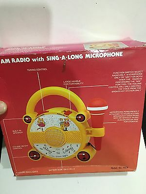 VINTAGE NOVELTY ELFTONE SING-A-LONG WITH MIC RADIO BAND AM(MW)1970S -1980s 2