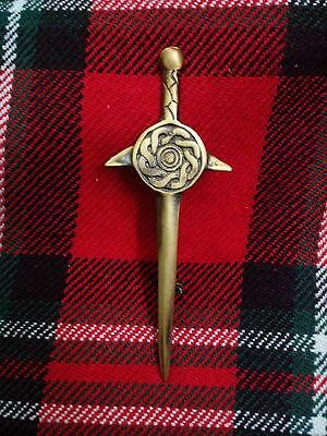 TC Celtic Knot Scudo Design Spilla Per Kilt Antico/spilla Spada 10.2cm 3